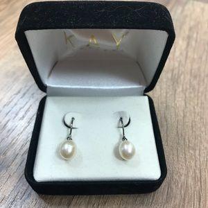 Kay Pearl Earrings